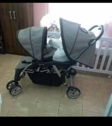 Carrinho de Bebê gêmeos Galzerano novim.