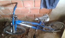 bicicleta nova pouco ussada