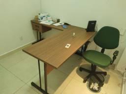 Título do anúncio: Mesa em L com Cadeira