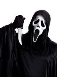 Fantasia pânico com 3 máscaras de látex e 1 faquinha