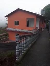Título do anúncio: Alugo casa Duarte da Silveira (começo da rua) - 2 quartos c/ garagem 990,00
