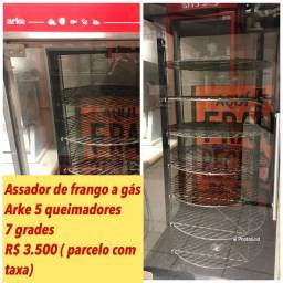 Assador de Frango a Gás Rotativo Arke Multi Grill, 5 Queimadores, 7 Grades