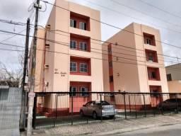 Apartamento com 3 dormitórios à venda, 70 m² por R$ 170.000,00 - Vila União - Fortaleza/CE