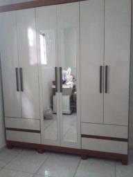 Guarda roupa novo 6 portas e 4 gavetas e com espelho