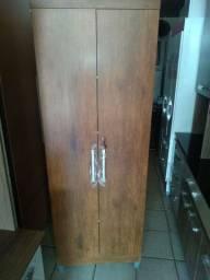 Armário multiuso grande  com chave e pezinhos novo