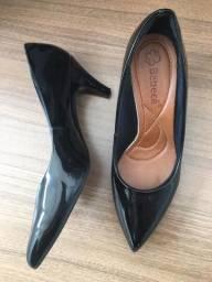 Scarpin preto tamanho 36
