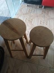 Banquetas de madeira 60 e 70 cm R$ 50,00 pelas duas
