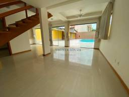 Casa com 3 dormitórios à venda com 250 m² por R$ 840.000 - Interlagos - Vila Velha/ES