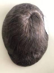 Prótese capilar micropele castanho claro com 20% grisalhos