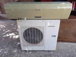 Ar condicionado Split Eletrolux 30.000 btus. BARATO!!