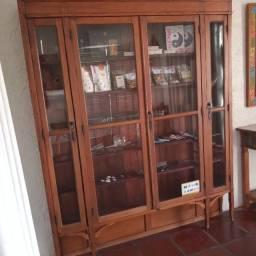 Título do anúncio: Armário prateleira de madeira com portas de vidro