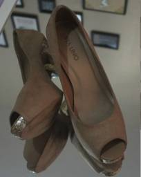 Sapato Salto Alto Fino Dourado