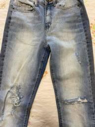 Calça Jeans Pantacourt Shoulder