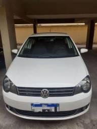 Vendo Volkswagen  Polo Sedan confortline, imotion 1.6, 2014.