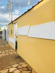 Título do anúncio: Alugo casa ampla no bairro Boa Esperança