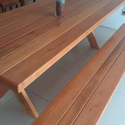 Título do anúncio: Cj de mesa com bancos de madeira