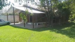 Casa com 50 metros² ,dois quartos sala cozinha banheiro com piscina e quiske