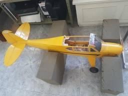 Aeromodelo Piper J3
