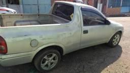 Vendo ou negócio Pick-up Corsa - 2001
