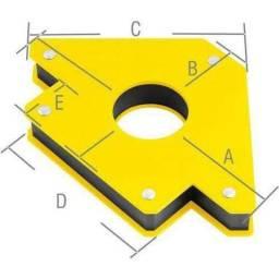 Título do anúncio: Esquadro Magnético Triangular 45Kg Black Jack