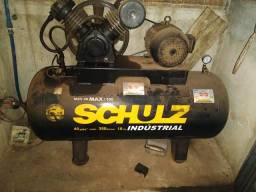 Compressor de ar schuz semi novo funcionando