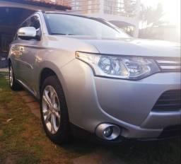 SUV Mitsubishi Outlander 2014 - 2014