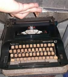 Máquina de escrever / datilografia