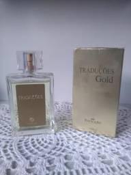 Vendo esse perfume muito barato Tradução Gold