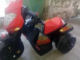 Moto eletrica infantil, usada apenas 3 vezes