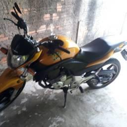 Vendo Cb300 2010