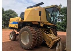 Colhedeira New Holland Tc 5090