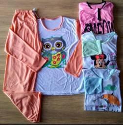 Pijamas compridos em malha