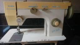 Máquina costura doméstica