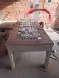 Mesa de madeira maciça com 2 Bancos