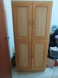 Multiuso 4 portas com fechadura