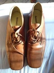 Vendo sapato novo nunca foi usado número 43