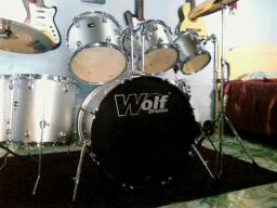 Bateria Wolf Drums impecável!!