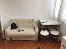 REF: SIB 38378 Apartamento 1D Mobiliado-Jardim São Dimas - Venda