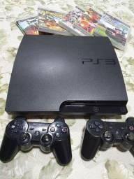 Playstation 3 com 2 controles e 5 jogos
