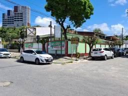 Casa em Mangabeiras, 8 salas para comércio