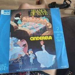 Vendo disco de vinil (Walt Disney, Cinderela e Branca de neve)