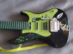 Guitarra Ben 10