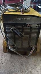 Máquina de solda Esab arc406 pouco usado funcionando normal.