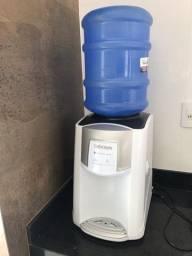 Bebedouro Colormaq com compressor