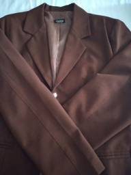 Conjunto de blazer com saia