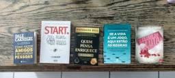 Vendo 5 Livros em ótimo estado de uso.
