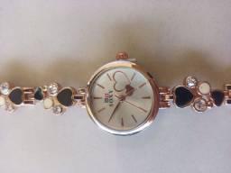 Título do anúncio: Relógio feminino coração preto e dourado