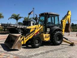 Retroescavadeira B95 4×4 New Holland ano2017