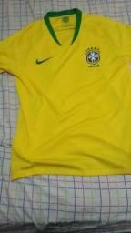 Camisa da seleção brasileira original tamanho G pra sair hj por apenas 100  reais 74c1f372738c0