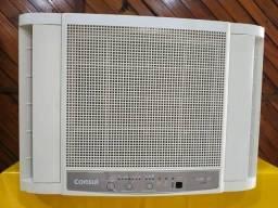 Ar condicionado de janela bem conservado